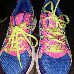 ASICS RUNNING SHOES - SIZE 7 - BLUE & PINK